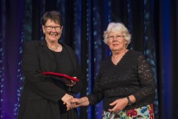 Ruth Fitzgerald receives Te Rangi Hiroa Medal from Philippa Black 255x170